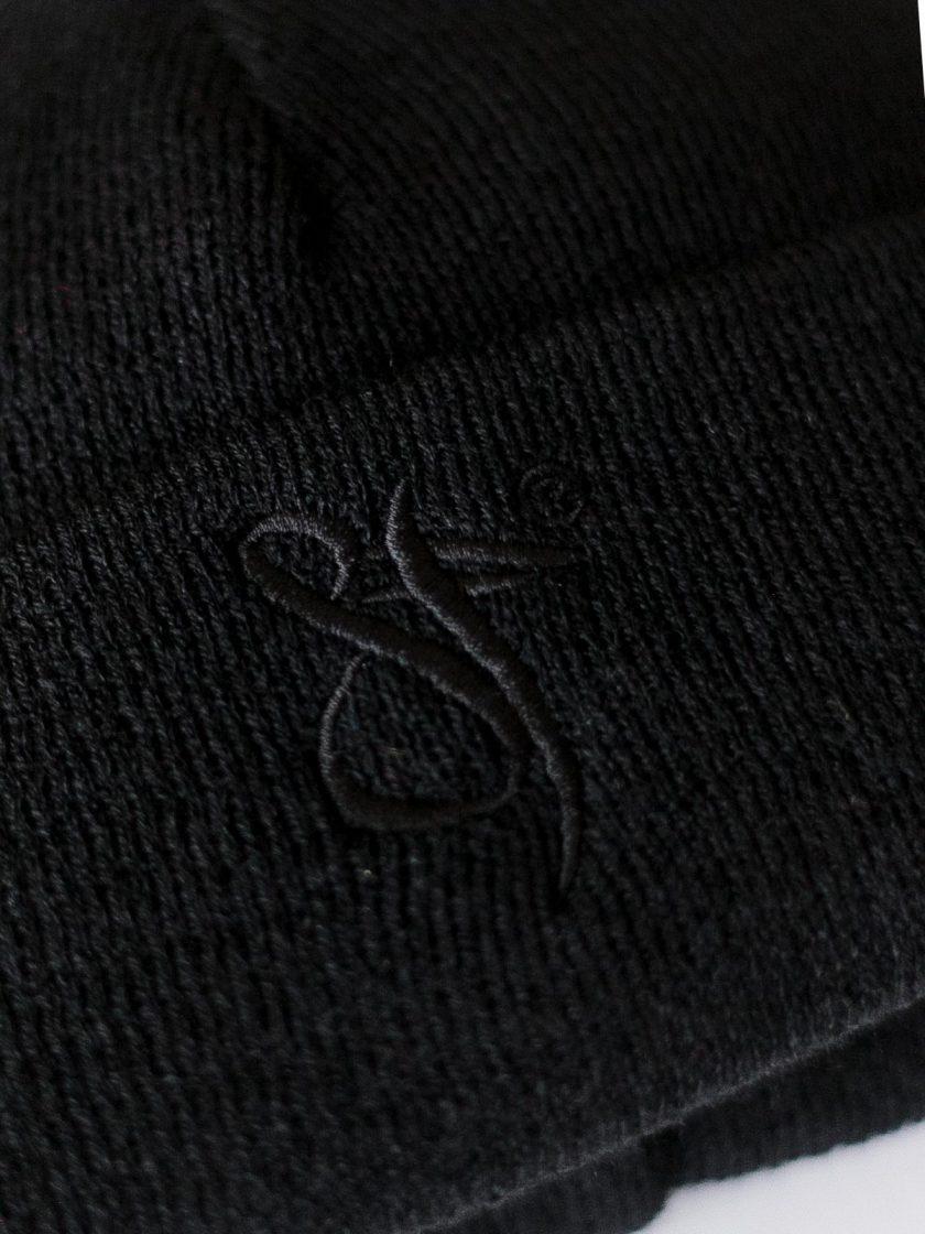Fisherman beanie hat black