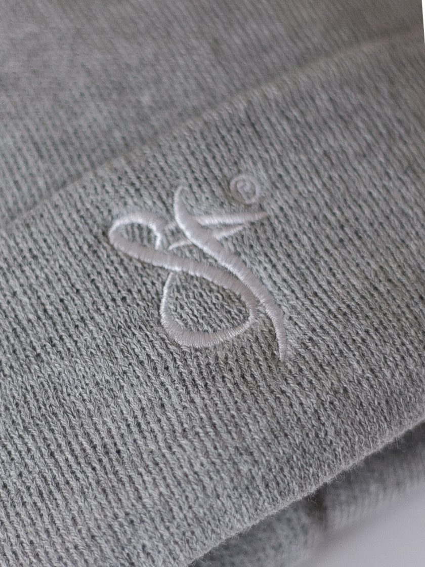 SF Embroidery Beanie grey/white