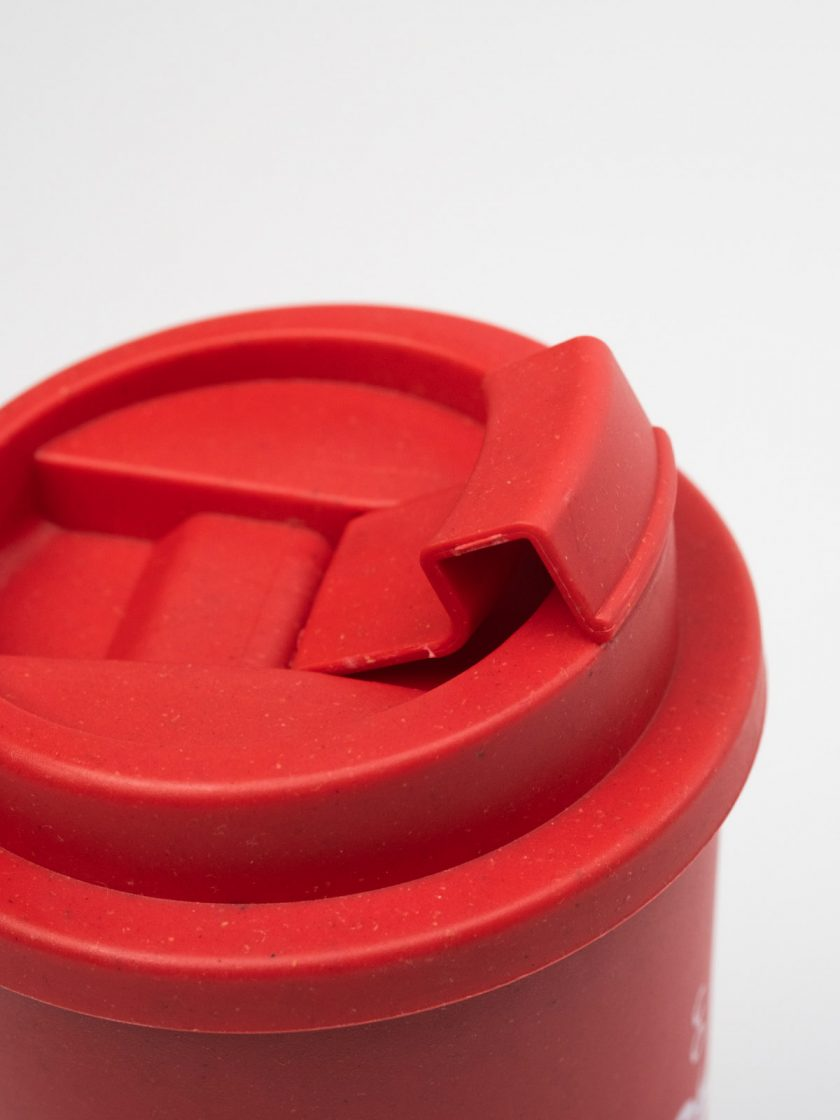 Bamboo Mug Red- Lid detail