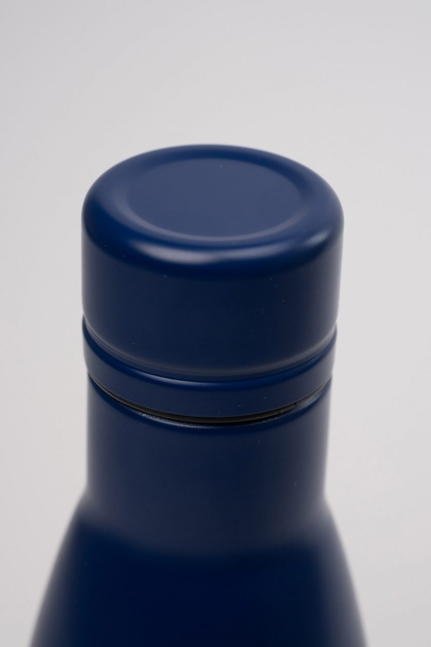Standfor Classic Thermal Bottle Blue-lid detail