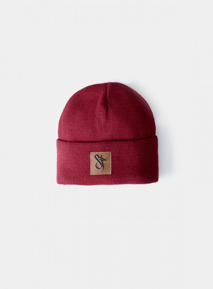 SF leather Patch Beanie Burgundy. For a warmer and stylish look.