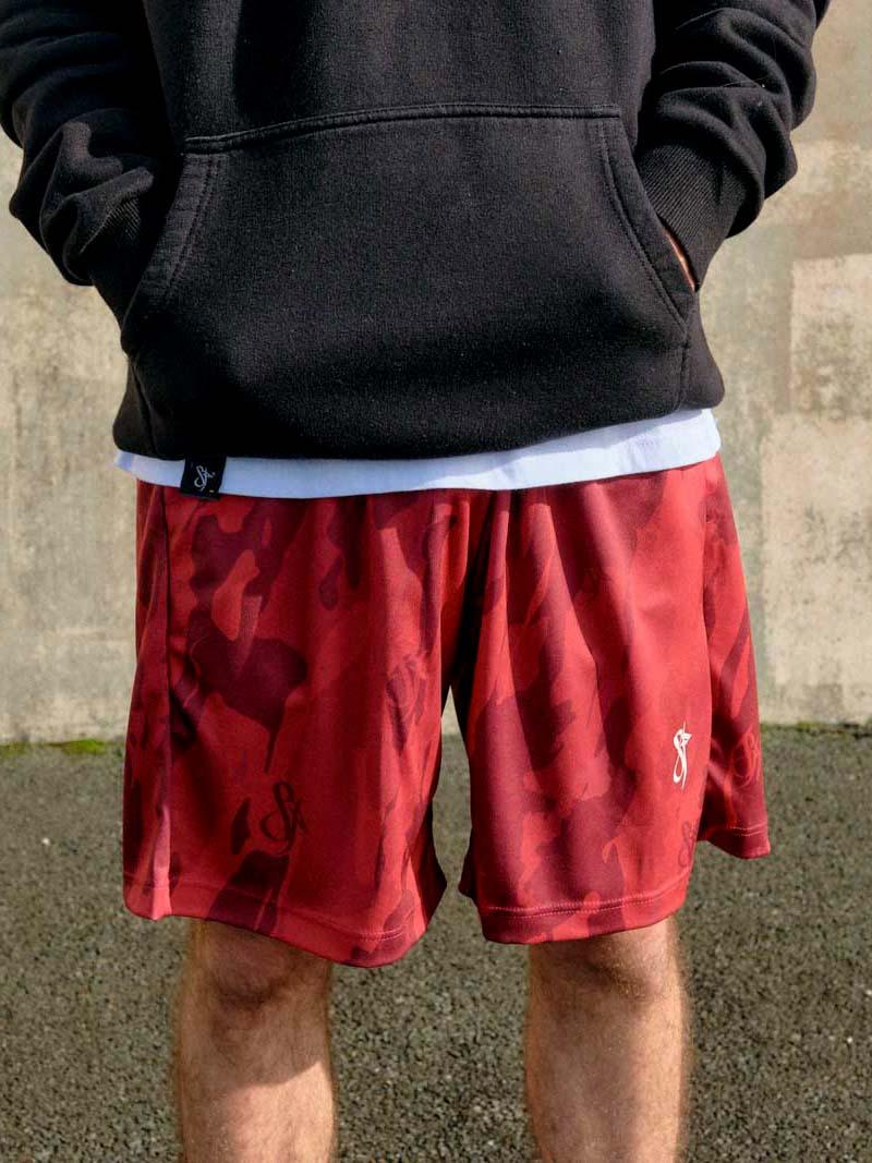 mono red camo basketball short model detail